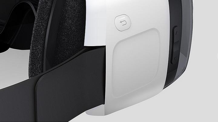SamsungGearVR-BuiltInTouchPad